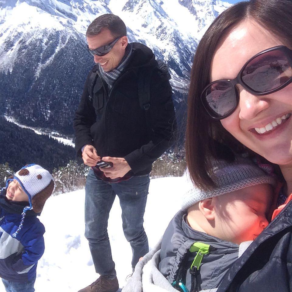 family selfie dombay